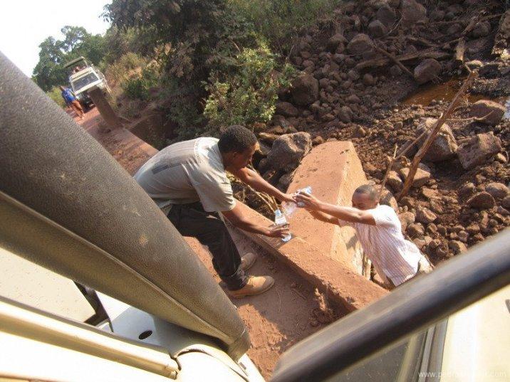 TANZANIA-imprevistos en jeep
