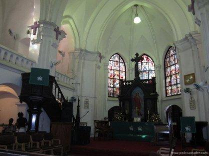 TANZANIA Dar Es Salaam Iglesia rock