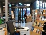 Biblioteca pública de Vejen, Dinamarca: uma biblioteca de brinquedos e um jardim...