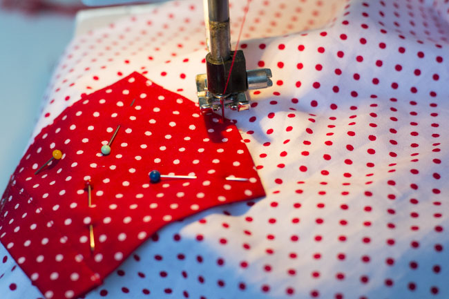 How to sew a patch pocket - Tutorial by Pienkel for Peek-a-Boo Pages12