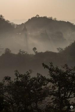 Sunrise mist - Mrauk U