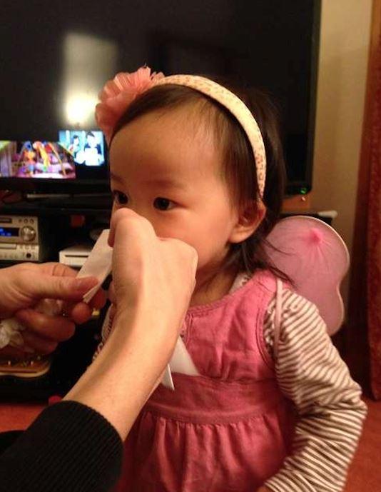 父母大推「用衛生紙幫寶寶吸鼻涕」小妙招 不用吸鼻器又能防脫皮 - JUSTYOU