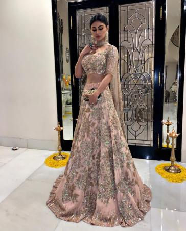 Mouni Roy dresses effortlessly in a Manish Malhotra lehenga for Ekta  Kapoor's Diwali bash
