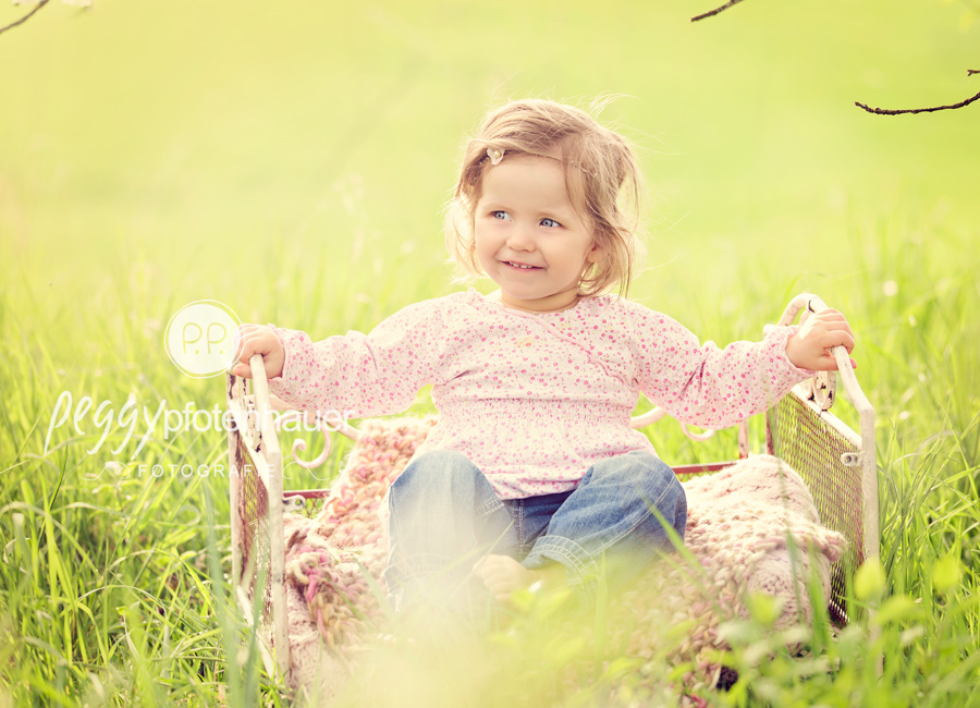 Kinderfotos in der Natur  Kirschbltenminishooting