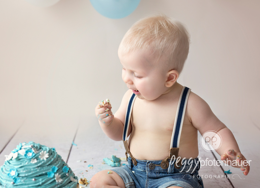 Cake Smash Shooting mit Laurenz  Babyfotos Bamberg