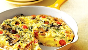 Asparagus Mushroom Tomato Frittata is colorful, healthy, and downright scrumptious.