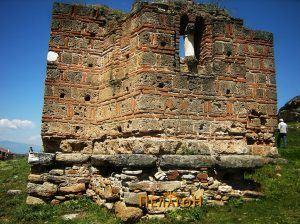 Поткопани ѕидови на источната страна