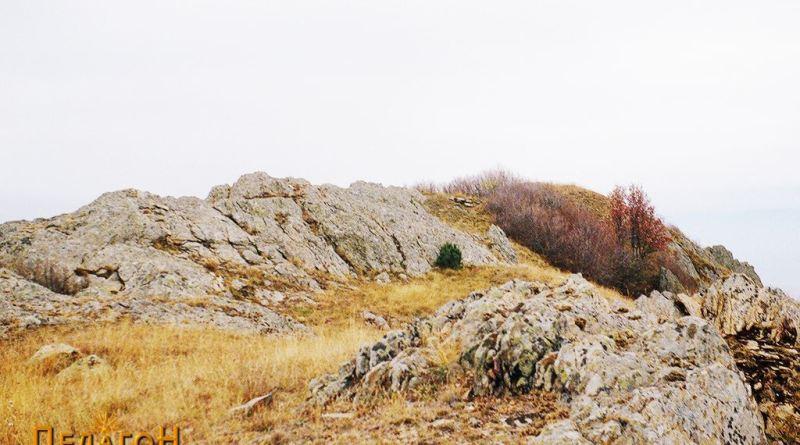 Од јужната утврдена тумба