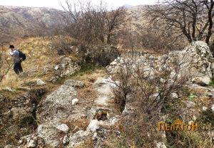 Остатоците од црквата на врвот
