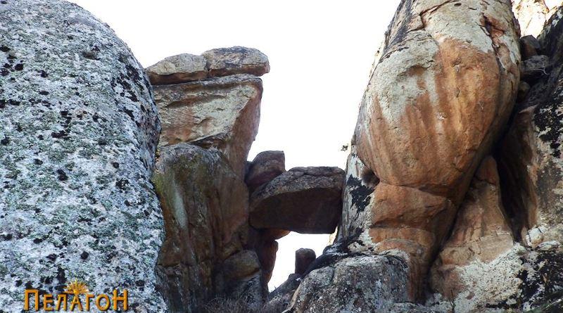 Камената порта од исток