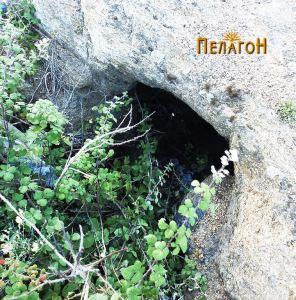 Гробница бр. 2 - влезот