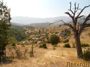 Селото Вепрчани - поглед од исток