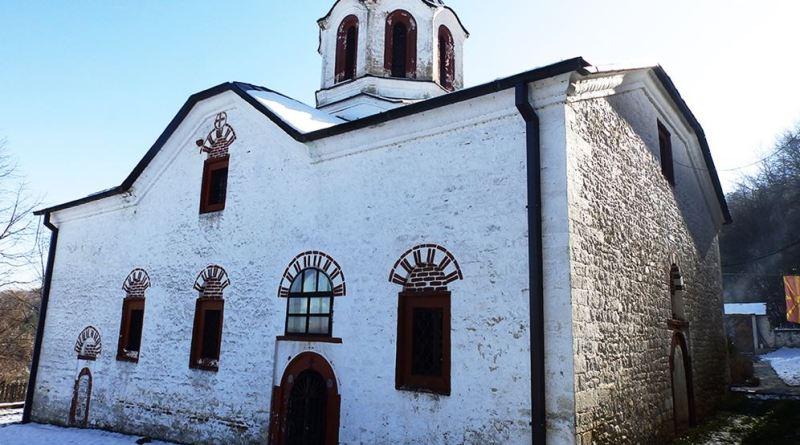 Црквата од северозапад