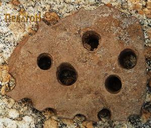Фрагмент од керамички сад - сито