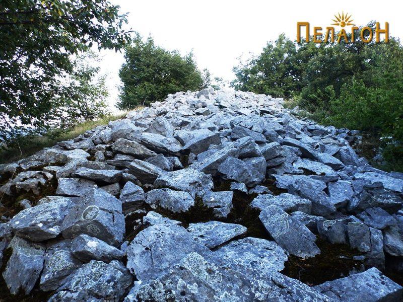Остатоци од ѕидот на старото утврдување 7