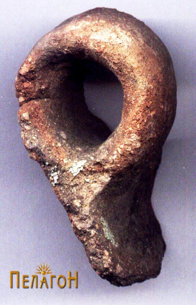 Фрагмент од керамички сад - рачка
