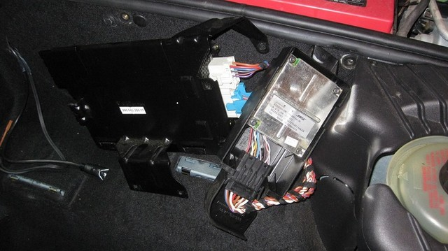 Radio Amplifier Noise Help 986 Series Boxster Boxster S