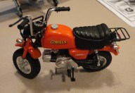 Frank Stansell's cool little motor bike in 1:6