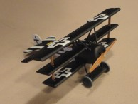 The divine Jesus Ramos did up this cool 1:72 Fu, er, Fokker by Dragon.
