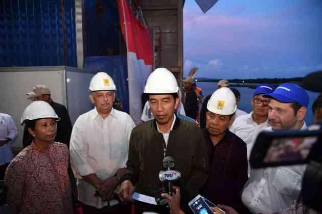 Pengoperasionalan Kapal Listrik di NTT, Jokowi: Tidak Perlu Khawatir Kekurangan Listrik Lagi Pengoperasionalan Kapal Listrik di NTT, Jokowi: Tidak Perlu Khawatir Kekurangan Listrik Lagi