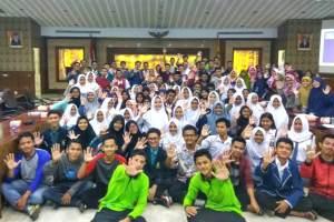 Berbagi Tips Galang Dana Secara Kreatif, Sahabat Pelajar Kota Tangerang Gelar Workshop Fundraising Bagi Pelajar Berbagi Tips Galang Dana Secara Kreatif, Sahabat Pelajar Kota Tangerang Gelar Workshop Fundraising Bagi Pelajar