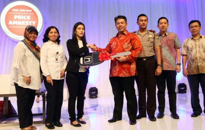 Sinar Mas Land Umumkan Pemenang Grand Prize Program Sensasional Price Amnesty Sinar Mas Land Umumkan Pemenang Grand Prize Program Sensasional Price Amnesty