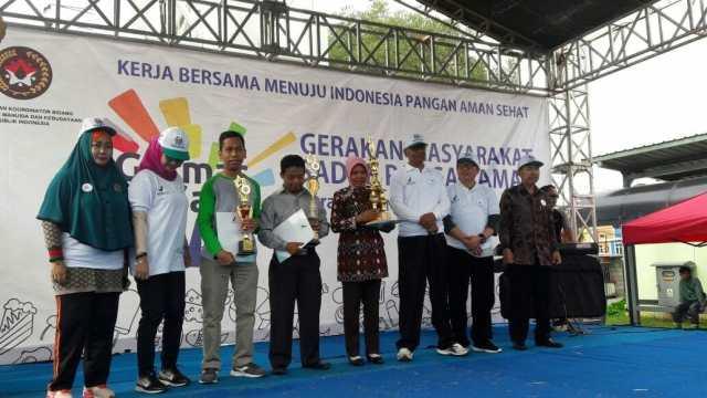 BPOM Banten Beri Sertifikat Keamanan Pangan Kantin Sekolah Tingkat Provinsi Kepada SDN Jurumudi Baru