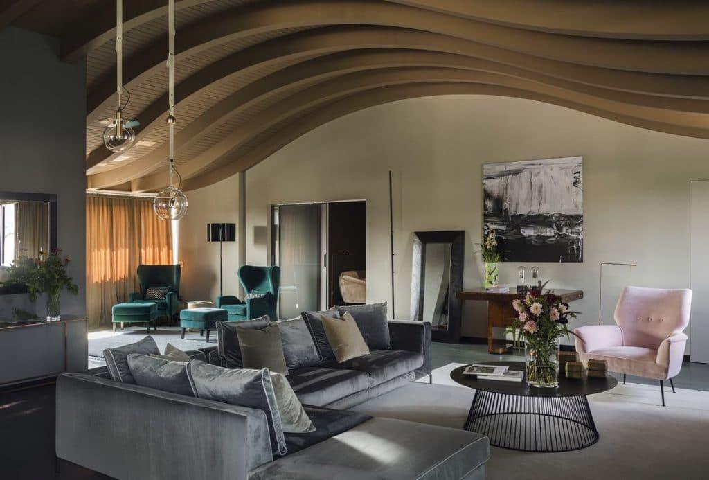 Professionalità, creatività e soluzioni su misura sono gli ingredienti per la tua casa dei sogni! Pelizzari Studio Interior Design Architecture