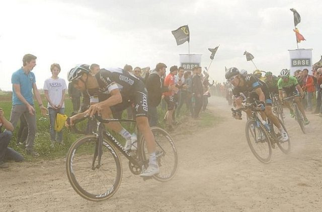 Tom Boonen disputa Paris Roubaix 2014 - Captura TV