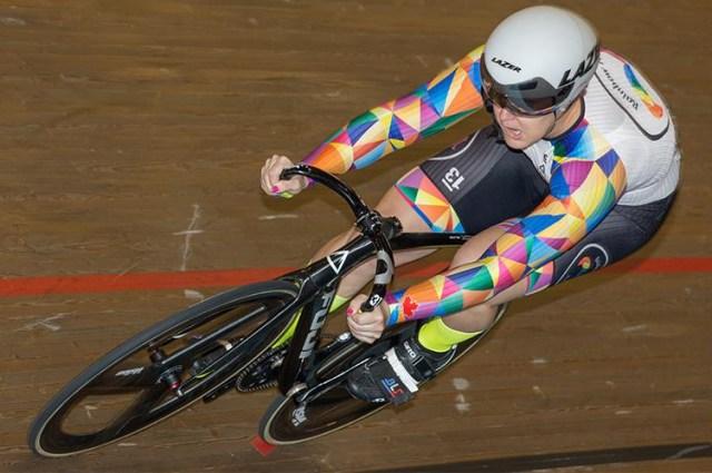 Ciclista Trans-gênero é bicampeã mundial e credita críticas a perdedoras