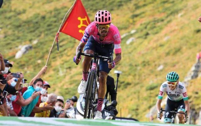 Martinez vence em chegada ao alto em etapa espetacular no Tour de France