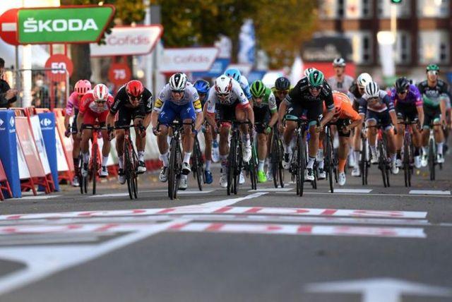 Pascal Ackermann vence sprint na Vuelta 2020