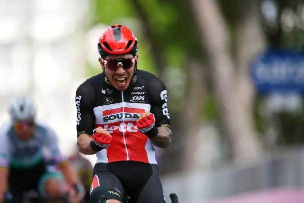 Caleb Ewan vence sprint no Giro 2021 | Getty Images | Pelote Ciclismo