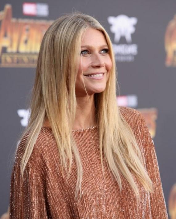 40 yaş üstü ünlü kadınların uzun saç modelleri