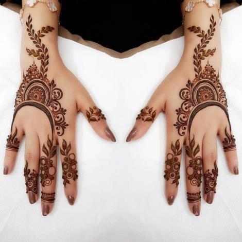 Hint kınası ile el dövme modelleri