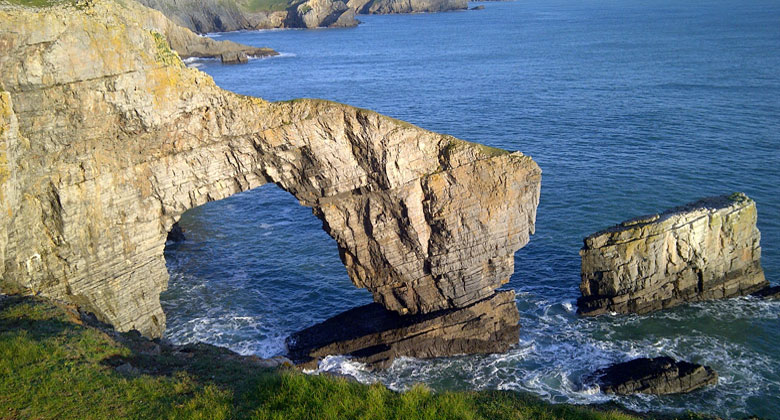 Green bridge of Wales in the Pembrokeshire Coast National Park