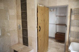 Master-ensuite-and-walk-in-wardrobe