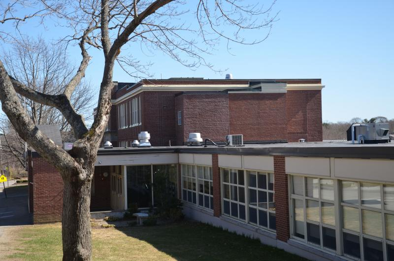What to do with CamdenRockport Middle School Tear down renovate rebuild  PenBay Pilot