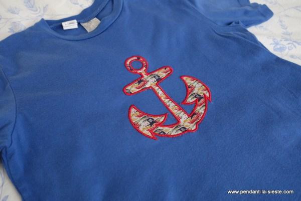 tee shirt brodé ancre marine