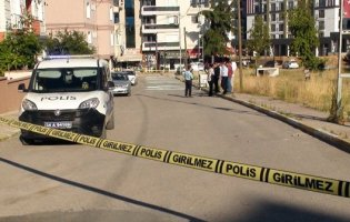 Pendik'te Sokak Ortasında Silahlı Çatışma