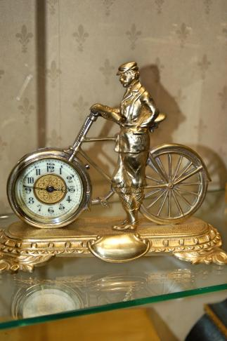 United Clock Compnay Bicycle clock