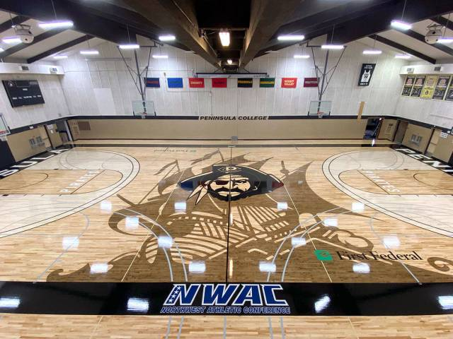 College Basketball Home Court Advantage For Pirates Newly Installed Floor Peninsula Daily News