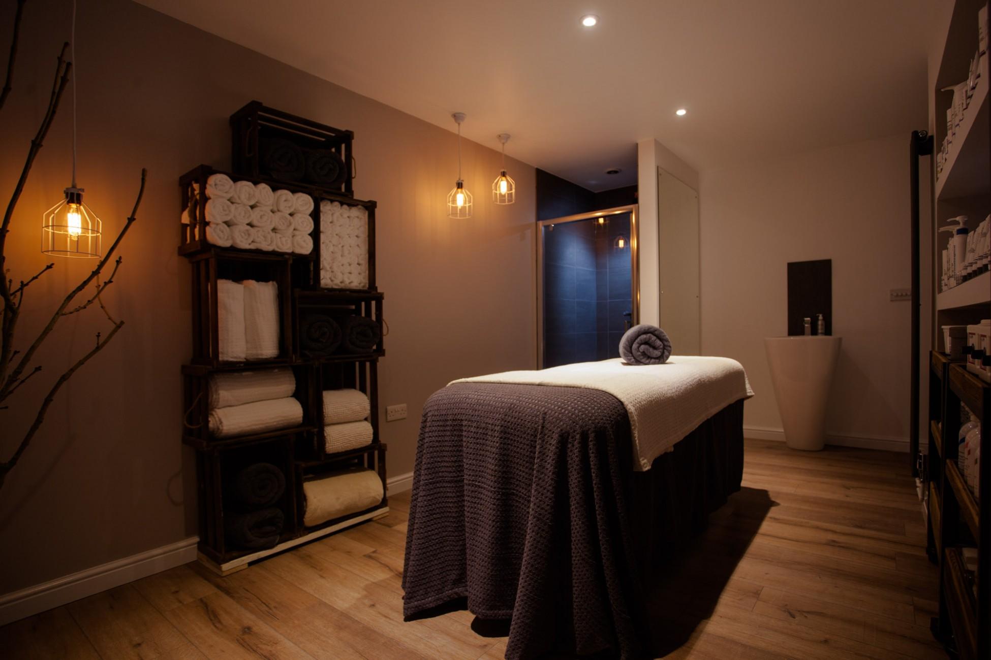 Beautiful Decaper Salon De Jardin Blanc Images - House ...