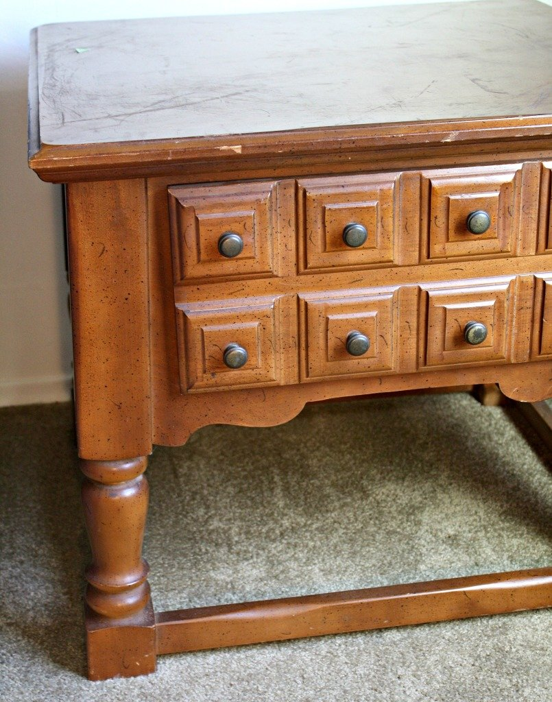 End table close