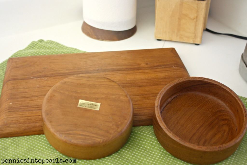 Thrifty Chic Painted Wood Bowels and Tray