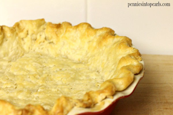 How to Make Pie Crust. Great step by step pictures on how to make pie crust. No fail way to making a perfect flakey pie crust.