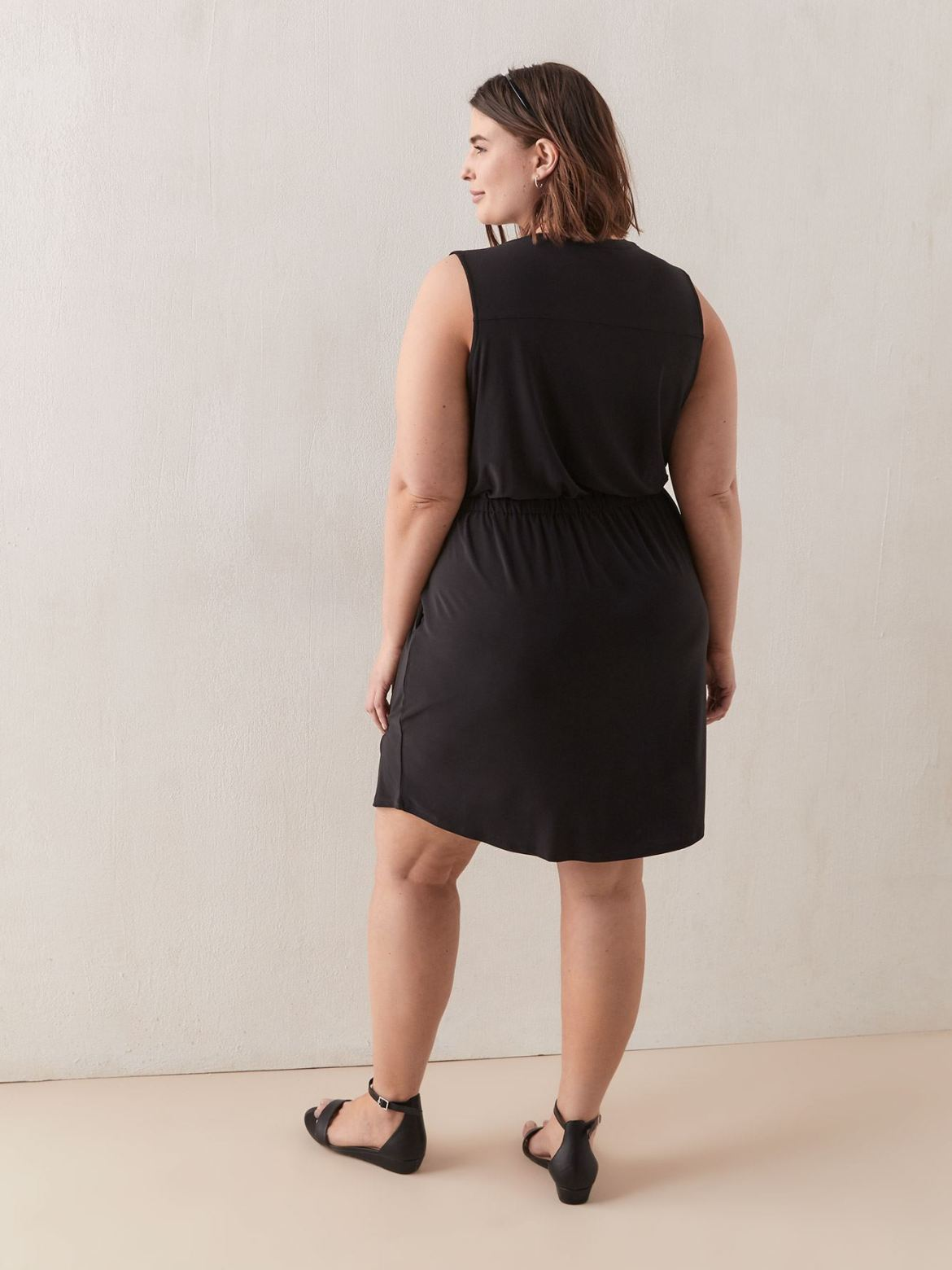 Solid Sleeveless Fit And Flare Jersey Dress - In Every Story