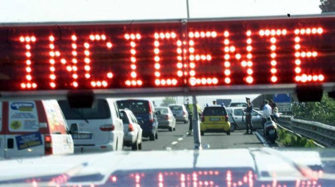 Morire in autostrada per colpa di un pilone