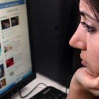 A falsa felicidade que as pessoas existem criar no facebook
