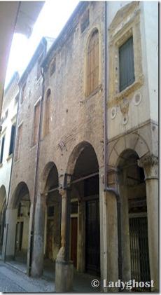 casa_degli_specchi_padova